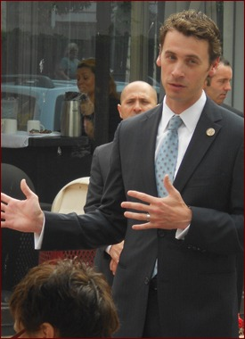 Arizona Congressman Ben Quayle addresses attendees at a strategizing breakfast.