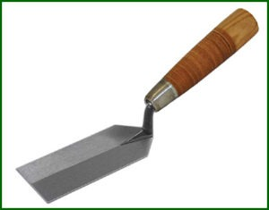 Kraft Tool Co. offers leather handles