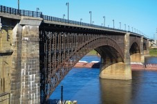 Case Studies:  Restoring the Historic Eads Bridge