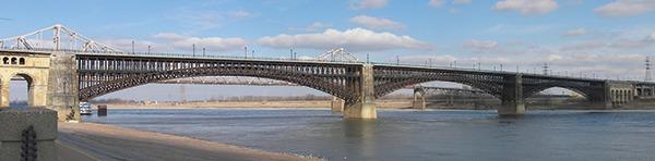 historic Eads Bridge